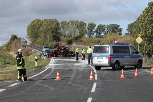 <p>Der Oldtimer-Fahrer wurde mit schwersten Verletzungen ins Krankenhaus gebracht, wo die Ärzte sein Leben jedoch nicht mehr retten konnten.</p>