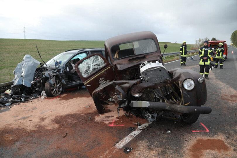 <p>Bei dem schweren Unfall auf der B169 bei Ostrau starben zwei Menschen.</p>  <p></p>