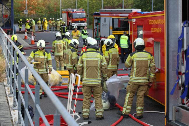 <p>Bei der Übung kamen die Berufsfeuerwehr, die Freiwillige und die Betriebs-Feuerwehr zum Einsatz.</p>