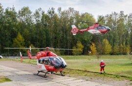 <p>Bei einem Feuerwehreinsatz auf dem Gelände der Holz- und Drechslerwaren Dieter Legler GmbH & Co KG in Rothenthal sind am Dienstagvormittag mehrere Einsatzkräfte verletzt worden, einige davon schwer. Ersten Einschätzungen zufolge haben vier Feuerwehrleute Kohlenmonoxid-Vergiftungen erlitten, als sie versuchten, einen Brand in einem Späne-Silo zu löschen.</p>  <p></p>  <p></p>