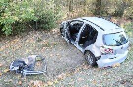 <p>Laut Polizei kam der VW gegen nach rechts von der Straße ab.</p>
