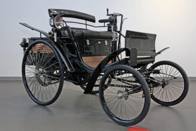 <p>Horch gründete 1904 seine Autofabrik inZwickauund legte damit den Grundstein der Automobilbautradition in der westsächsischen Stadt.</p>