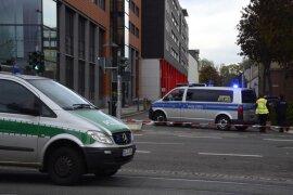 <p>Gegen 15.30 Uhr ging bei der Polizei Chemnitz eine Drohung gegen das städtische Jugendamt an der Bahnhofstraße ein. Der Gebäudekomplex Moritzhof wurde evakuiert.</p>