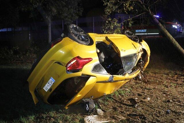 <p>Zwei Personen sind bei dem Unfall schwer verletzt worden.</p>