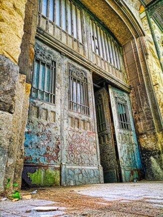 <p>Wellner-Gebäude 2, vorn. Das einstige Eingangstor. Es wird noch saniert und soll erhalten bleiben.</p>