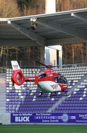 <p>Der HSV-Fan wurde per Rettungshubschrauber ins Krankenhaus geflogen.</p>