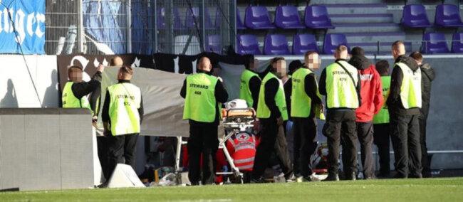 <p>Beim Abnehmen der Fanfahne stürzte ein Hamburger Anhänger mehrere Meter tief.</p>