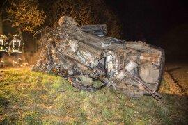 <p>Der Audi des 32-Jährigen gerietvon der Fahrbahn, landete im Straßengraben und wurde anschließend auf die gegenüberliegende Straßenseite geschleudert</p>