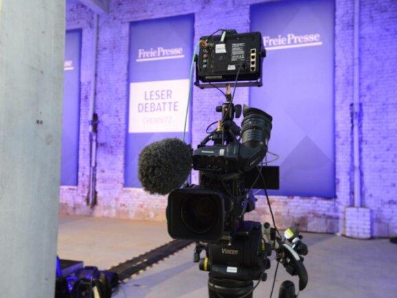 <p>Bereits Stunden vor dem Eintreffen der Kanzlerin zum Pressegespräch in der Hartmannfabrik stand die Technik bereits.</p>