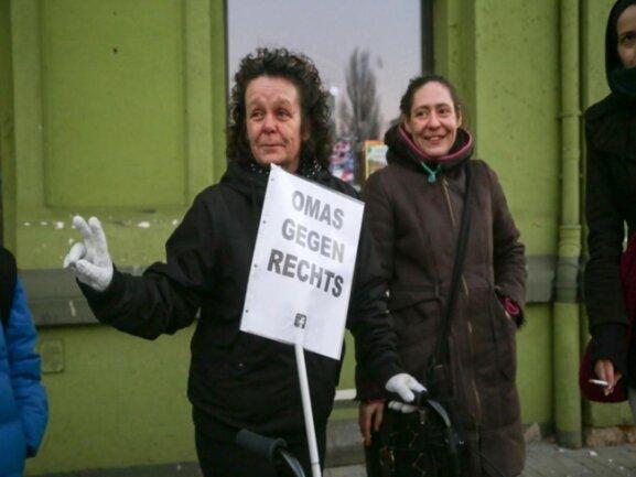 <p>Der Widerstand gegen Rechts vereinte Jung und Alt. Hier etwa an der Hartmannstraße.</p>