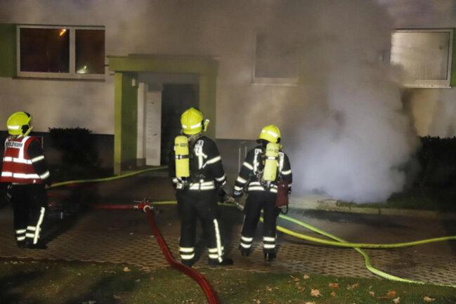 <p>Nach Polizeiangaben ist es bei dem Brand zu einer erheblichen Rauchentwicklung gekommen.</p>  <p></p>