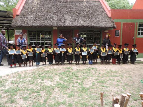 <p>Unsere Schulanfänger mit ihren Lehrern</p>