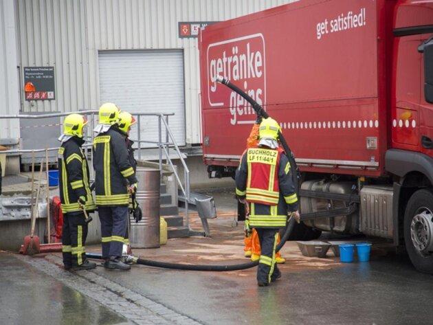 <p>Ein Getränkelaster hat sichan der Laderampe eines Discounters im Annaberger Gewerbering den Tank aufgerissen.</p>