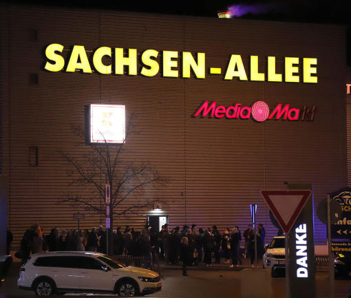<p><br /> Im Dezember 2016 hatte es bereits eine Bombendrohung gegen die Sachsenallee gegeben. Mehr als 4000 Menschen mussten damals das Einkaufscenter verlassen.</p>