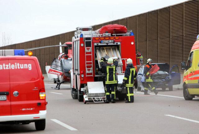 <p>Nähere Angaben zum Unfallhergang und den verletzten Personen konnten zunächst nicht gemacht werden.&nbsp;</p>