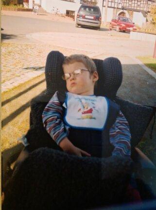 <p>Auf diesem Foto ist Alexander 15 Jahre alt.</p>