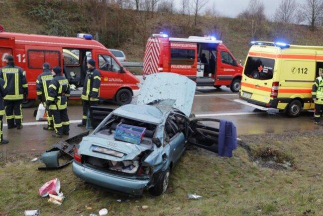 <p>Ein Audi war gegen 13 Uhr von der Fahrbahn abgekommen.</p>