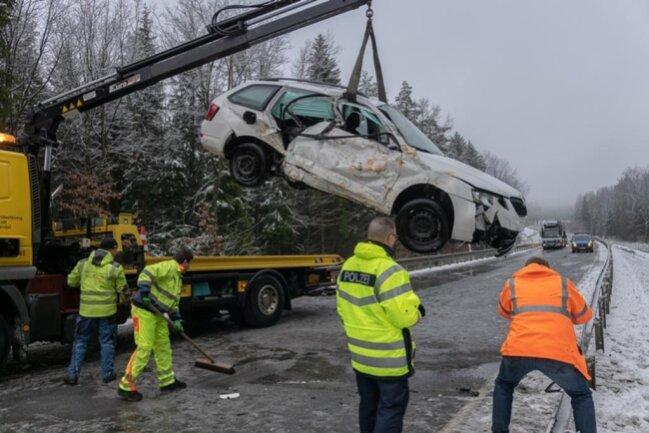 <p>Wegen der Unfallaufnahme war die S 299 bis kurz vor 11 Uhr gesperrt.</p>