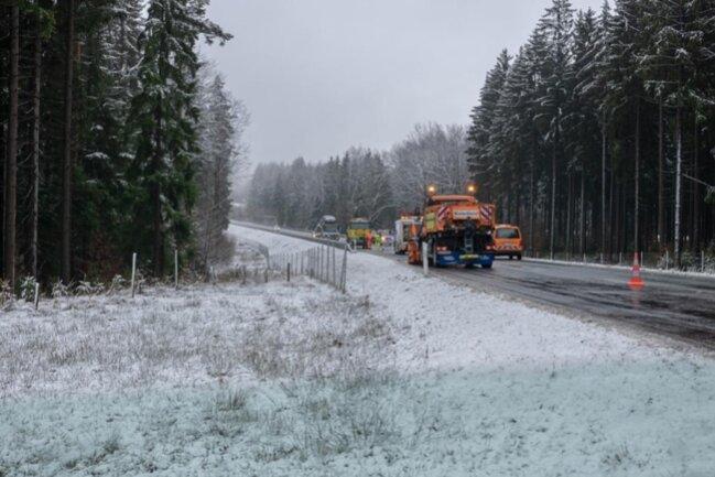 <p>Der Fahrer des Winterdienstfahrzeugs blieb unversehrt.</p>