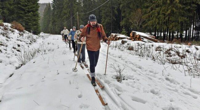 <p>Enrico Melde führte nach den ersten Kilometern das Feld auf Ski an.</p>