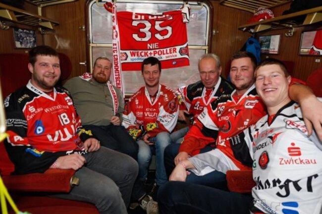 """<p>""""Die Aktion zeigt, wie viele Leute sich in Crimmitschau und Umgebung für Eishockey begeistern. Toll, dass erstmals nach 14 Jahren wieder ein Sonderzug rollt"""", sagt Eispiraten-Geschäftsführer Jörg Buschmann.</p>"""