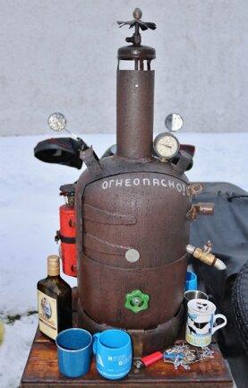 <p>Eine Leipziger Delegation machte in diesem Ungetüm den Glühwein heiß.</p>
