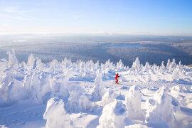<p>Im Skigebiet in Oberwiesenthal laufen auch am Sonntag wieder die Lifte bis 16.30 Uhr. Die Schwebebahn verkehrt bis 17 Uhr.</p>