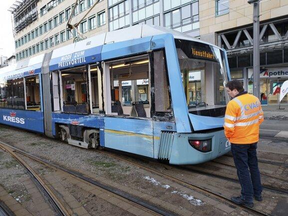<p>Der Unfall führt zu weitläufigen Verkehrsbehinderungen in der Innenstadt.</p>