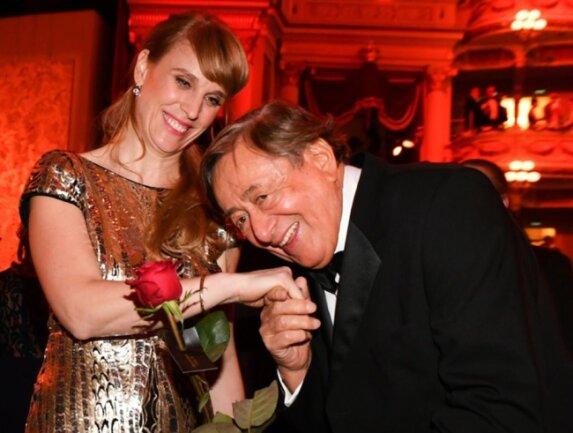 <p>Der österreichische Unternehmer Richard Lugner und seine Begleiterin Larissa</p>