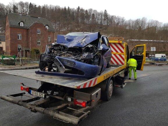 <p>Nach ersten Schätzungen beträgt der Sachschaden an beiden Fahrzeugen etwa 30.000 Euro.</p>