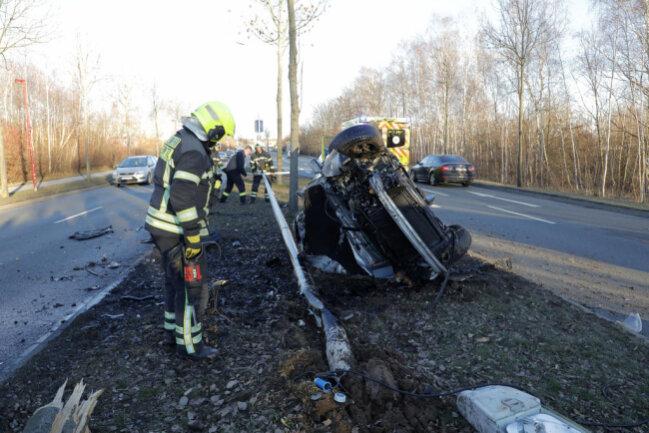 <p>Es kommt zu Verkehrsbehinderungen an der Unfallstelle.</p>