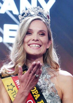 <p>Sie werde sich als Polizistin für ein Jahr beurlauben lassen und sich in dieser Zeit auf die Tätigkeit als Schönheitskönigin konzentrieren. Dies habe sie bereits geklärt.</p>