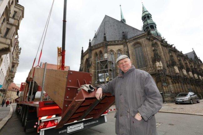 <p>Für Dombaumeister Dr. Michael Kühn war es die letzte Aktion am Dom.</p>