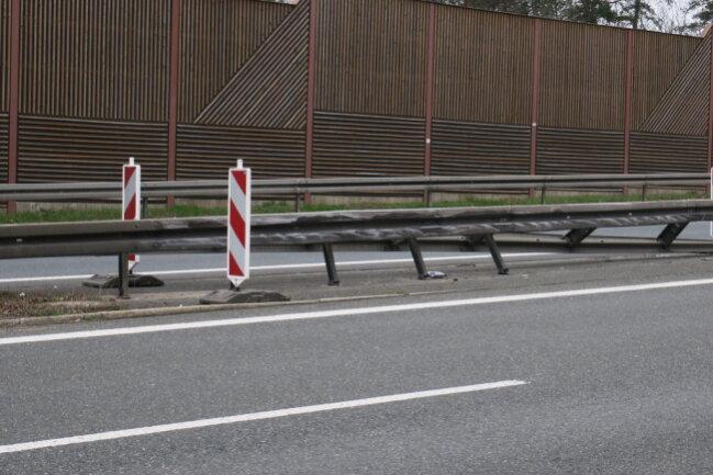 <p>Die Richtungsfahrbahn nach Chemnitz wurde für die Arbeiten am Unfallort voll gesperrt.&nbsp;</p>