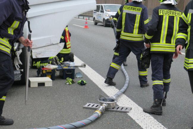 <p>Ob der Fahrer aufgrund gesundheitlicher Probleme oder an den Folgen des Unfalls verstarb, ist derzeit noch unklar.</p>