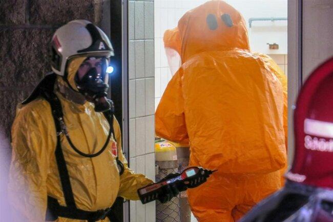 <p>Laut Einsatzleiter wurde eine geringe Menge Chlorgas gemessen. Nach Angaben des Betreibers bestand aber zu keiner Zeit eine Gefahr für die Bevölkerung oder für das Trinkwasser.</p>