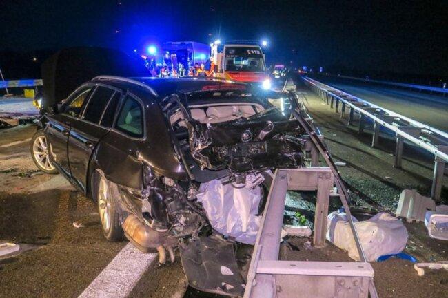 <p>Im nachfolgenden Verkehr bemerkte ein weiter Skodafahrer den Unfall und bremste – ein Mercedes fuhr auf.</p>