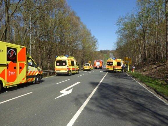 <p>Ersten Angaben zufolge wurden zwei Personen verletzt.</p>