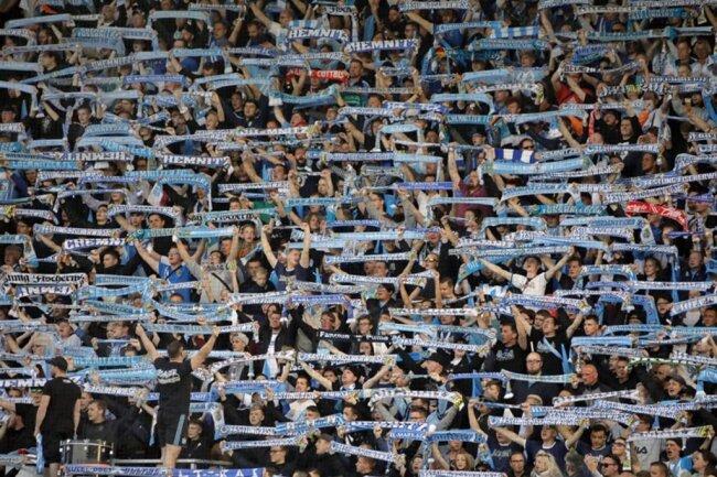 <p>Fast 7500 Fans kamen ins Stadion an der Gellertstraße.</p>