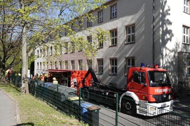 <p>Die Feuerwehr war am Donnerstagmittag vor Ort. Die Kita ist Teil eines Internats für sprach- und hörgeschädigte Kinder und Jugendliche.</p>