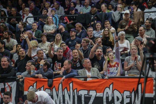 <p>Wollen ihr Team endlich ganz oben sehen: die Chemnitzer Anhänger.</p>