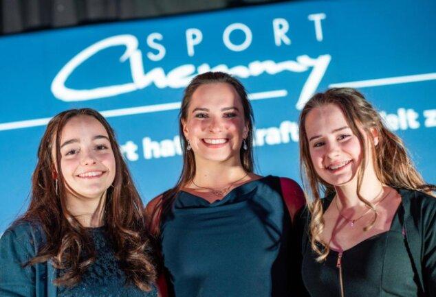 <p>Auch die Chemnitzer Turnerinnen Lisa Zimmermann (v.l.n.r.), Sophie Scheder und Lisa Schoeniger waren bei der Sportlergala dabei.</p>