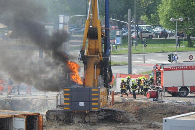 <p>Die Feuerwehr war mit etwa 30 Einsatzkräften vor Ort.&nbsp;</p>