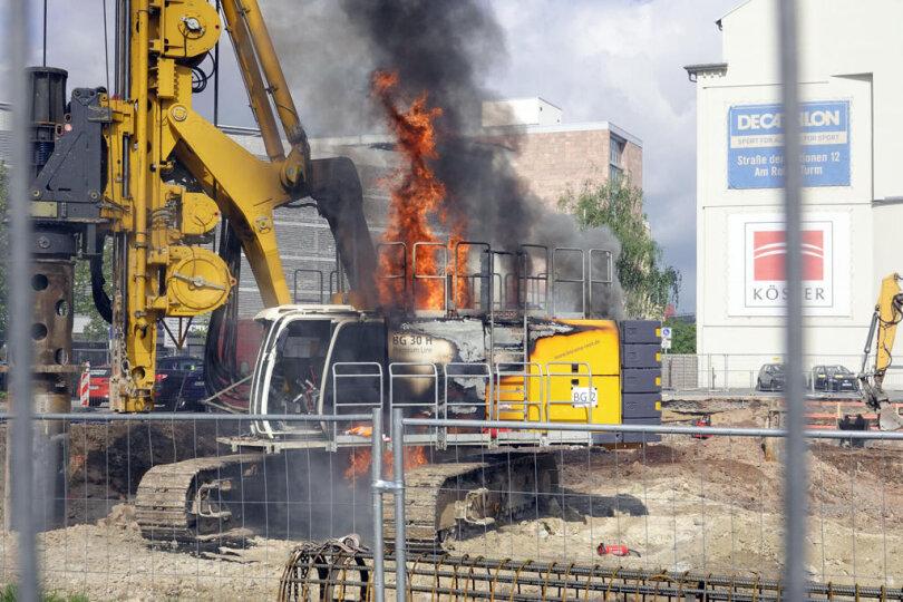 <p>Das Feuer brach gegen 9.45 Uhr auf dem Johannisplatz in Chemnitz aus.</p>
