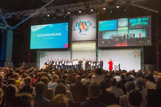 <p>Über 1000 Gäste verfolgten die Preisverleihung in der Chemnitzer Messe,...</p>