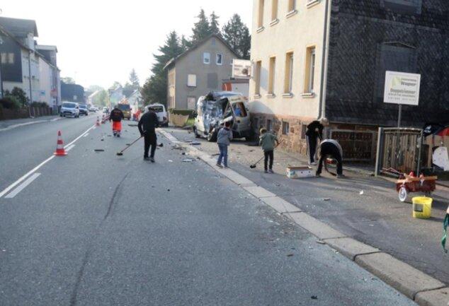 <p>Es entstanden zehntausende Euro Schaden.</p>