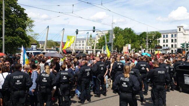 <p>Großes Polizeiaufgebot rund um die Gegendemonstration.&nbsp;</p>