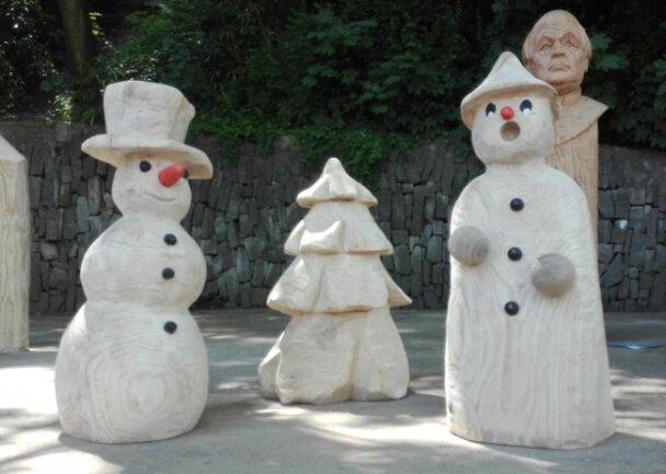 <p>Diese Figuren erstellte Peter Eberlein für die Außenpyramide der Oberschule Aue-Zelle.</p>