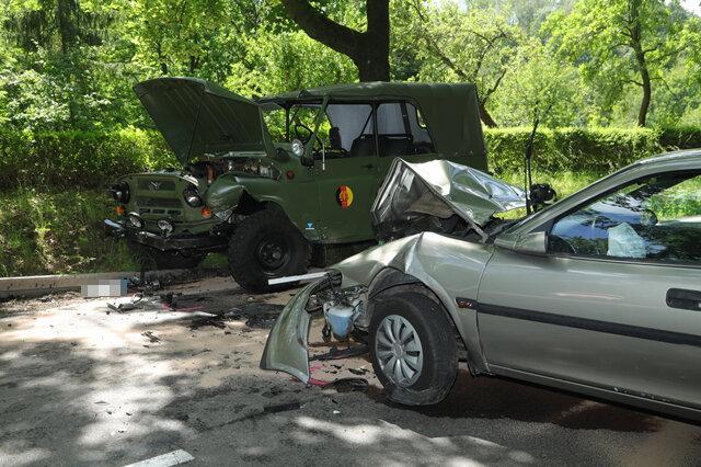 <p>Laut Polizei wurden fünf Personen verletzt, vier davon schwer.</p>