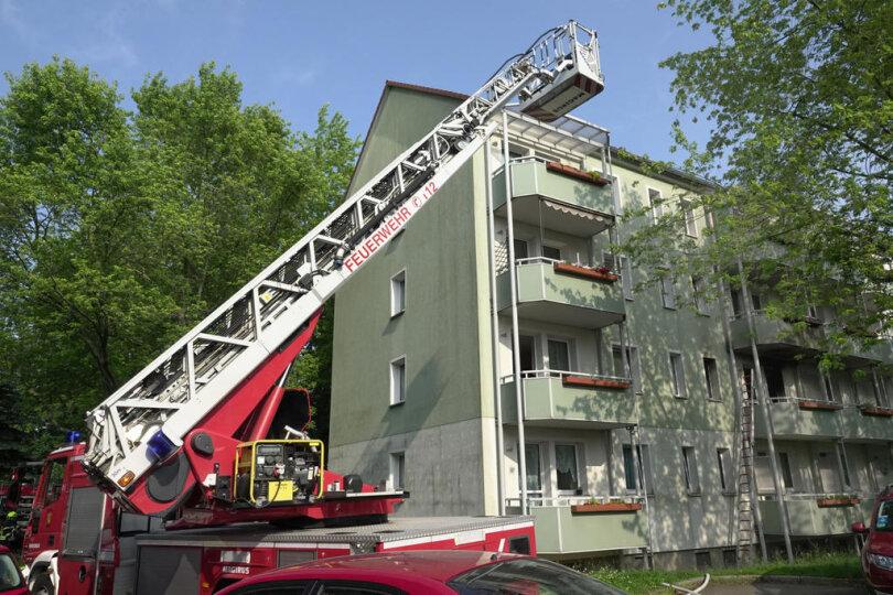 <p>Gegen 17. 20 Uhr ging ein Notruf bei der Rettungsleitstelle ein, wonach in der Wohnung des Mannes im ersten Stockwerk ein Feuer ausgebrochen sei.</p>